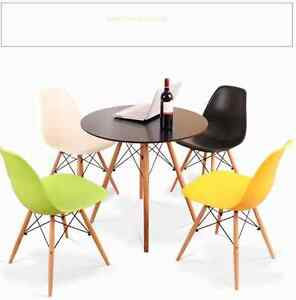 Round-Dining-table-and-4-chairs-retro-DSW-Eiffel-0po