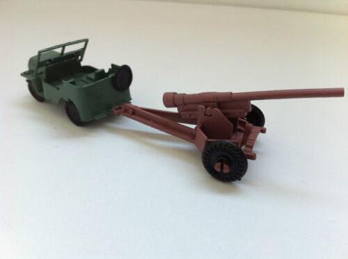 Ancien jouet en plastique canon Jeep Willys militaire
