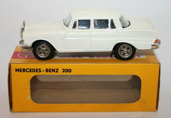Metosul 1 43 Scale Metal Model -  10 - Mercedes Benz 200 - blanco