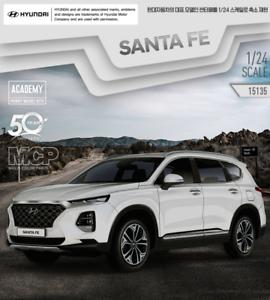 Academy NEW HYUNDAI SANTA FE TM Car 1//24 Plastic Model Kit #15135