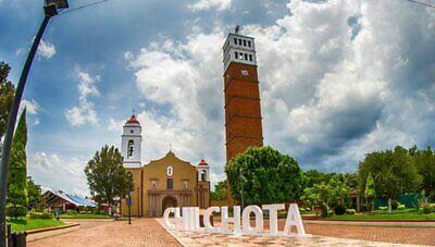 SE VENDE LOTE CHILCHOTA,     Terreno108  Excelente ubicación, calle Isaac Arriaga esquina Narciso M.