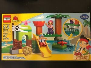 LEGO-DUPLO-10513-Jake-and-the-NeverLand-Pirates-Never-Land-Hideout-NISB