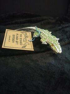 Peridot-Crystal-Alligator-Pin