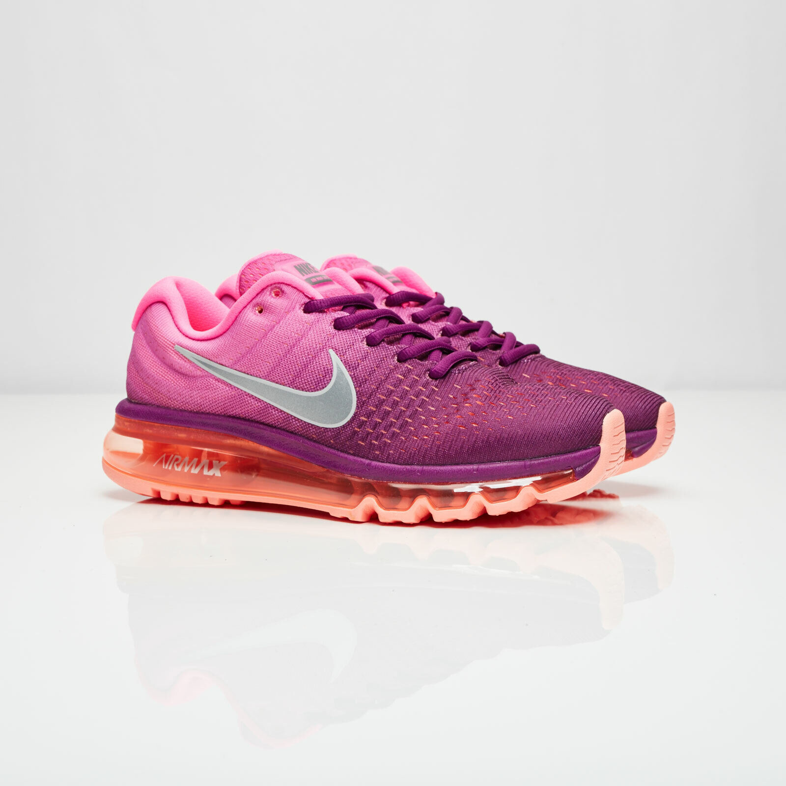 New Women's Nike Air Max 2017 Bright Grape Fire Pink size 11.5 849560 502