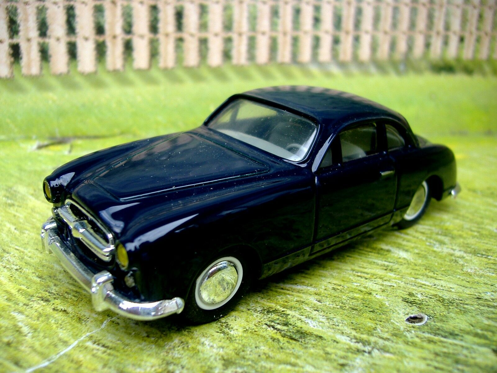 1 43 Leader (France) Ford Comete Resin Model Car