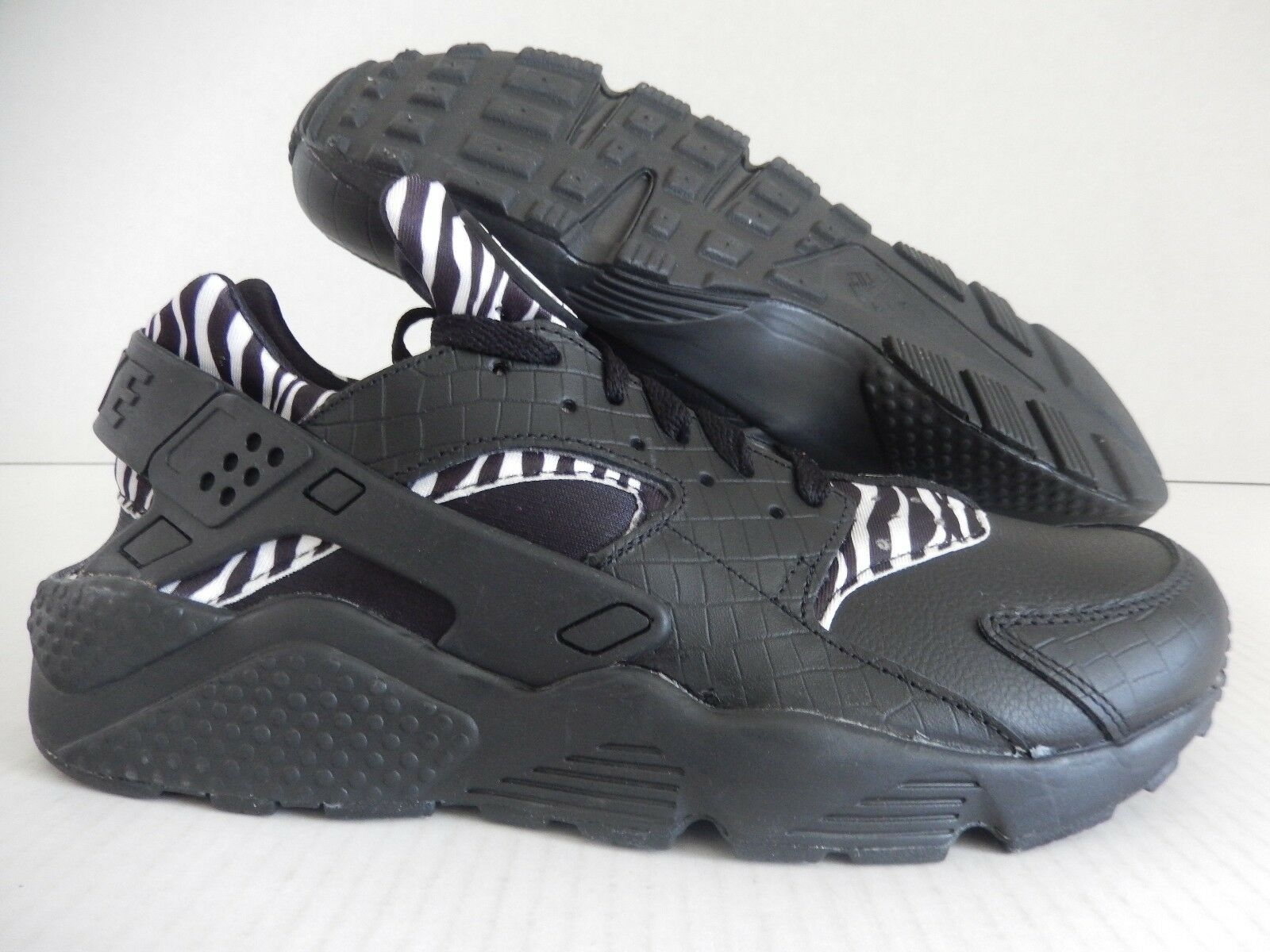 MENS NIKE AIR HUARACHE ID BLACK-WHITE Price reduction
