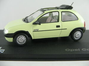 Ixo-21-Opel-Corsa-B-swing-1993-2000-en-verde-claro-1-43-nuevo-PC-vitrina