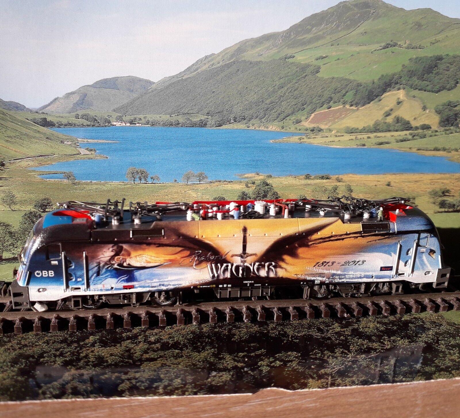 Fleichmann 781475 N   OBB Taurus electric locomotive. DCC & Sound.  No offers