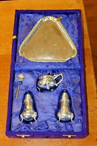 Lovely-Vintage-Silver-Plate-4-pc-Cruet-Set-Salt-Pepper-Tray-in-Purple-Velvet-Box