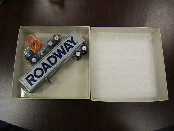Winross Roadway Ford tractor & grey grey grey trailer 1 64 Diecast Made in USA e69374