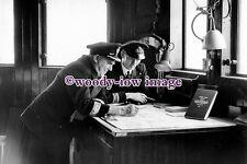 pu1119 - Cunard Liner - Queen Elizabeth , Captain Sir James Bisset - photograph
