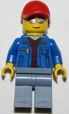 LEGO NEW CITY TOWN MINIFIGURE FIG WITH SUNGLASSES AND A RED HAT