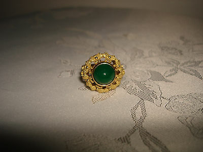 VINTAGE COLLECTIBLE UNIQUE DOME GREEN JADE 18K YELLOW SOLID GOLD RING  SIZE 8