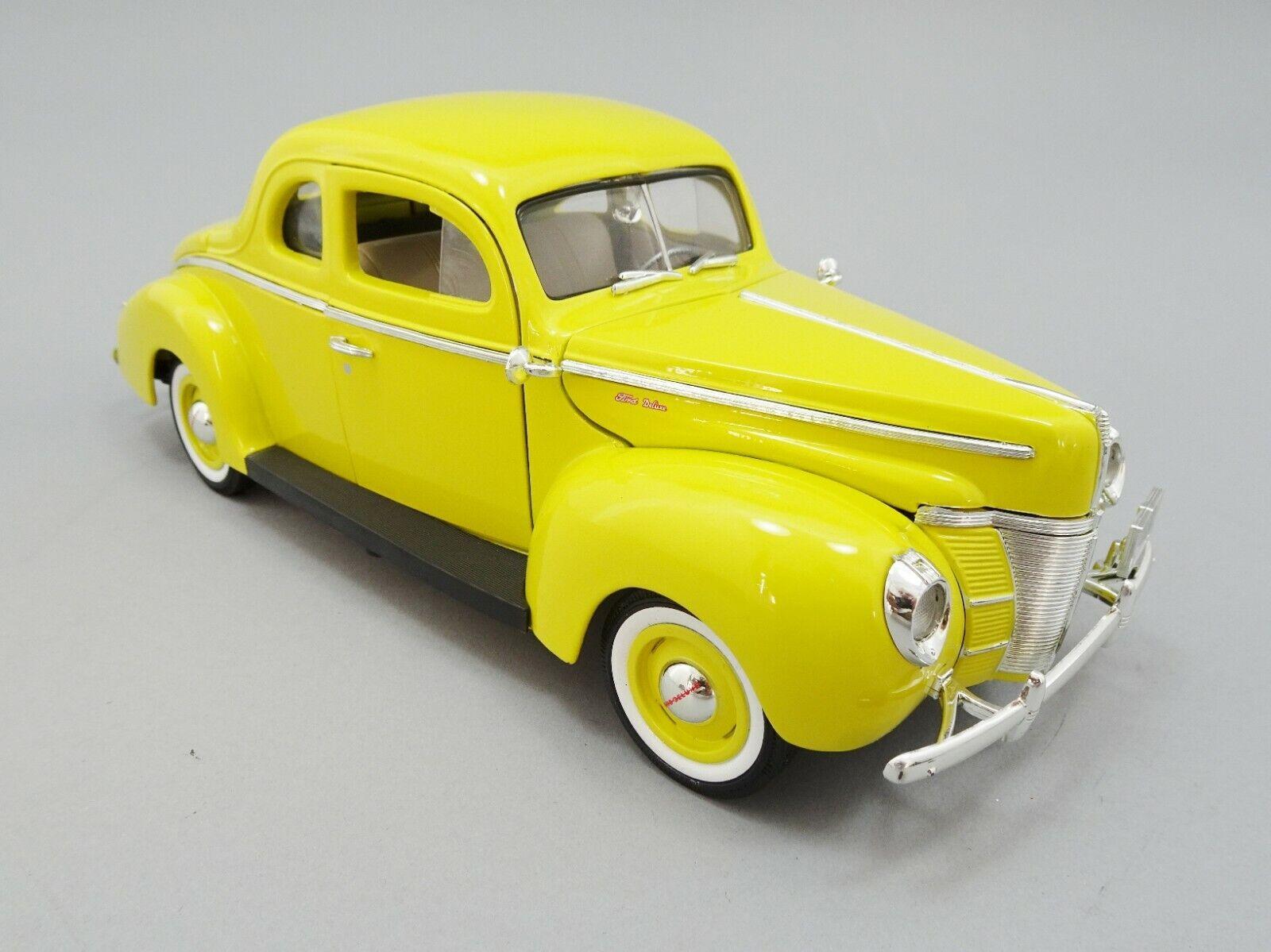 aquí tiene la última 1940 Ford Deluxe Coupe, Escala 1 18 18 18 Diecast Amarillo Coche Clásico por Motor Max  marca de lujo