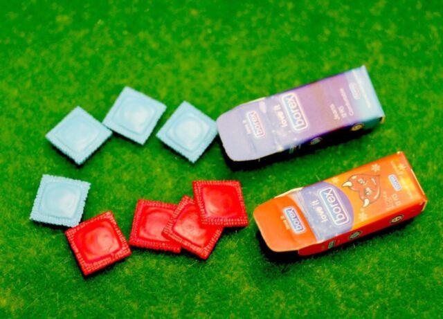 Accessories Miniature Dollhouse Condom 2 sets re-ment Size 102