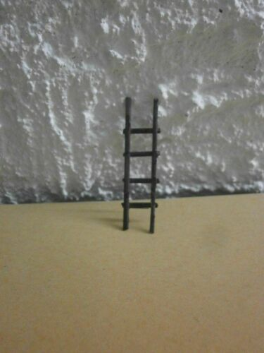 Dolls House Doll House Decoration Miniature Wood Ladder in Brown 4x1 cm NEW