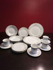 VINTAGE-1992-Farberware-Southhampton-223A-Complete-20-Piece-Dinnerware-Set