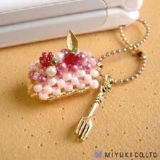 MiyukI No. 20 STRAWBERRY ROLL CAKE Sweet Charm Beading Kit
