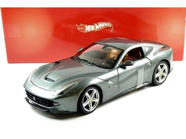 1:18 Hot Wheels Ferrari F12 Berlinetta 2012 red