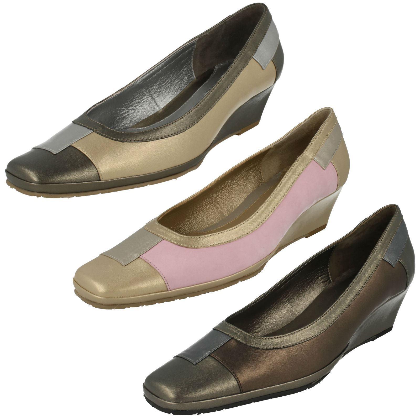 Ladies Oyster/Metal/Pewter Slip On Leather Van Dal Wedge Shoes Haiti