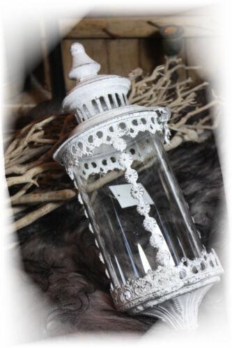 Stab Laterne weiß Metall Gartendeko Shabby Vintage Landhaus Lilie Gartenstecker