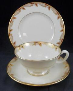Lenox-ESSEX-MAROON-SMOOTH-Trio-Cup-Saucer-Bread-amp-Butter-0351R-GREAT-CONDITION