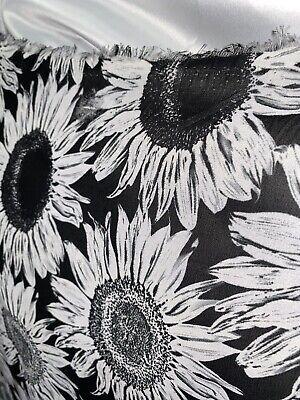 Printed Black White Trellis Design on Polyester Chiffon Fabric-2.3//4.6 metres