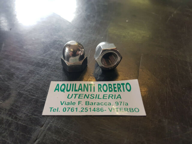 Dado a calotta da M 5 x 0,8 in acciaio INOX A2-70 a cupola - cieco