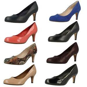 Clarks Mujer Sin Cordones Tacón Mediano Corte Ancho Elegante Zapatos de salón