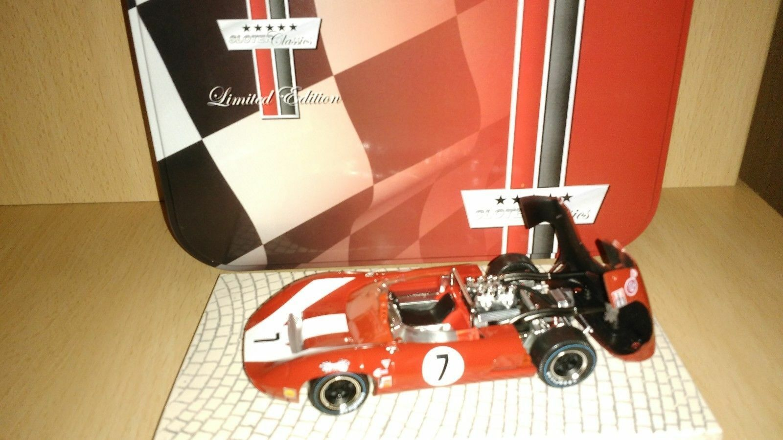 Scalextric sloter lola t70 Spyder surtees
