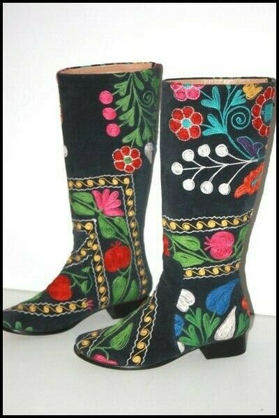 Boots Original Velvet All brodé Colorful Small Heels T 38 Very Good Condition