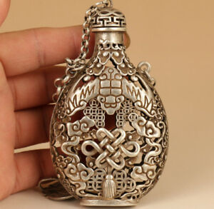Chinese Gourd hand carving wealth snuff bottle