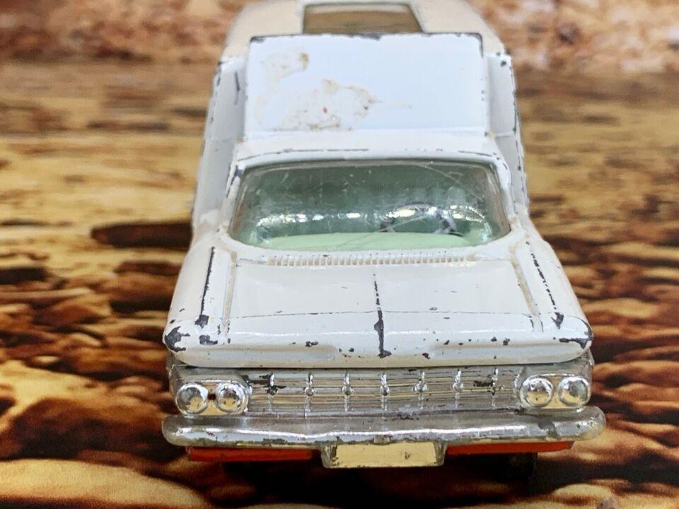 Modelbil, Corgi 2 stk Chevy Impala Kennel, skala 1:43
