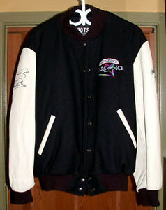 Official-2011-Stars-On-Ice-Tour-Jacket-Signed-By-Jamie-Sale-amp-David-Pelletier