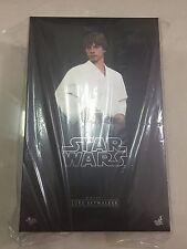 Hot Toys: Star Wars Luke Skywalker Action Figure - MMS297