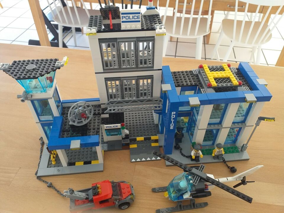 Lego City, politistationen 60047