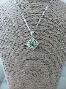 Collier avec Pendentif Losange Cristal Vert et Chaine Neuf