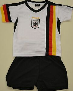 Allemagne Tricot Pour Enfants Avec Pantalon Größe 134/140