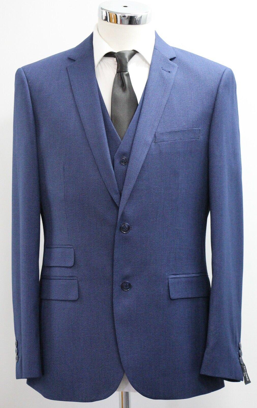 Men's Fellini tailored, bluee 3pc suit (40R).. sample 2609