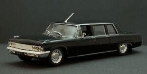 ZIL-111G USSR Russian Soviet Limousine Black Luxury Car 1:43 Scale Diecast Model