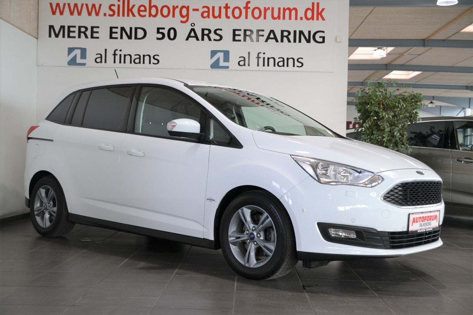 Ford Grand C-MAX 1,5 TDCi 120 Business 5d - 229.900 kr.