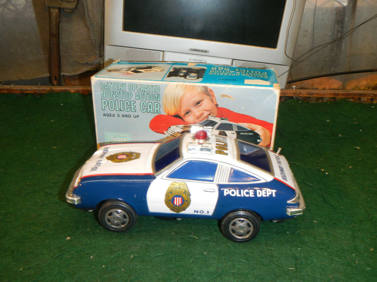 VINTAGE 1970'S POLICE CAR SEARS JAPAN WITH ORIGINAL BOX