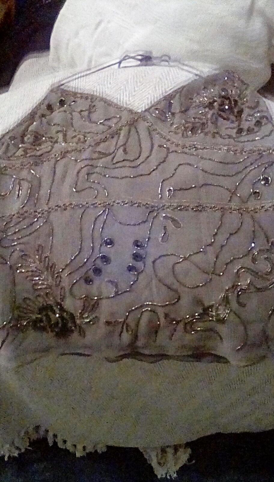 Pure Silk Monsoonbraun Sequinned Halterneck top sz12. Stunning