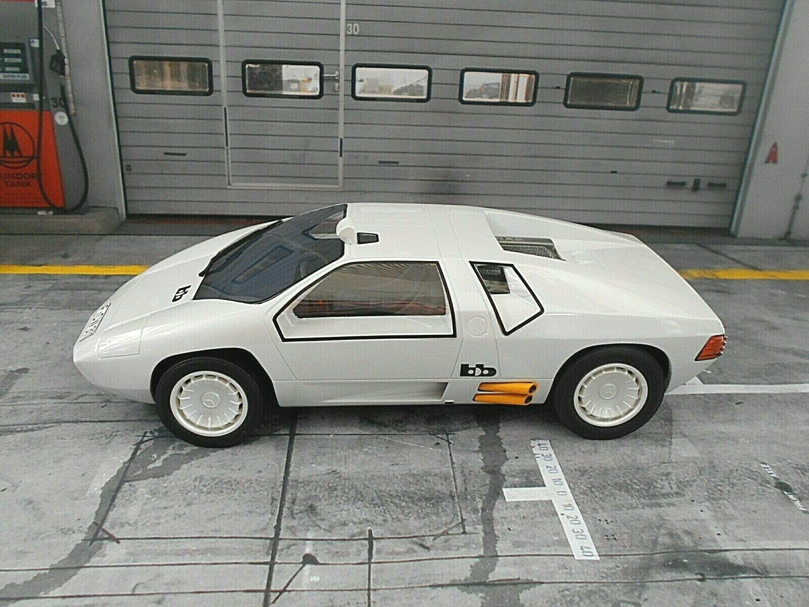 Mercedes Benz cw311  CW 311 BB BuchhomHommes Blanc voiture-Napping TV 1978 Bos SP 1 18  direct usine
