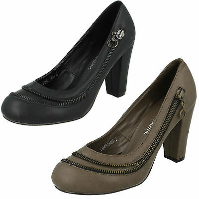 SALE Ladies Spot On synthetic court shoe F9674
