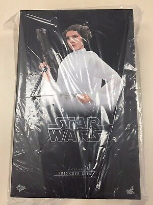 Hot Toys MMS 298 Star Wars A New Hope Princess Leia Carrie Fisher (Normal Ver)