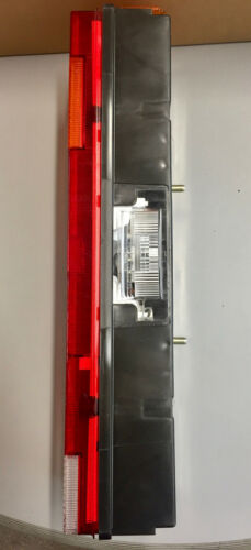 CARAVANE CAMPING-CAR REMORQUE FEU ARRIERE  D//G  MULTIFONCTONS NEUF VALEO