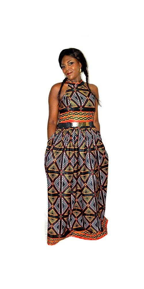 Trendy Full-LENGHT Abito africano. progettato con Stampa Africana atoghu, Taglia 12