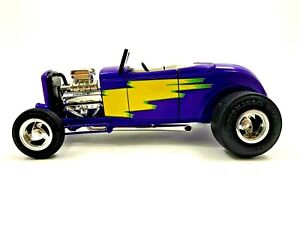 ERTL COLLECTIBLES 1932 FORD STREET ROD PURPLE AMERICAN MUSCLE 1/18 SCALE #175
