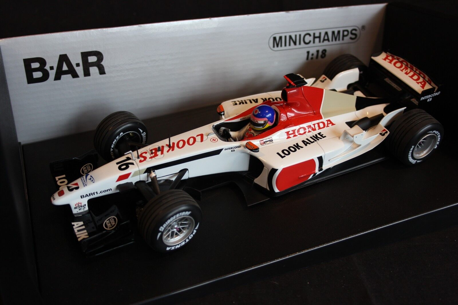 Minichamps BAR Honda 005 2003 1:18  16 Jacques Villeneuve  CAN